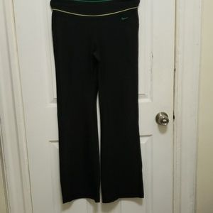 Nike Fit Dry Bootcut EUC long Black Pants Sm
